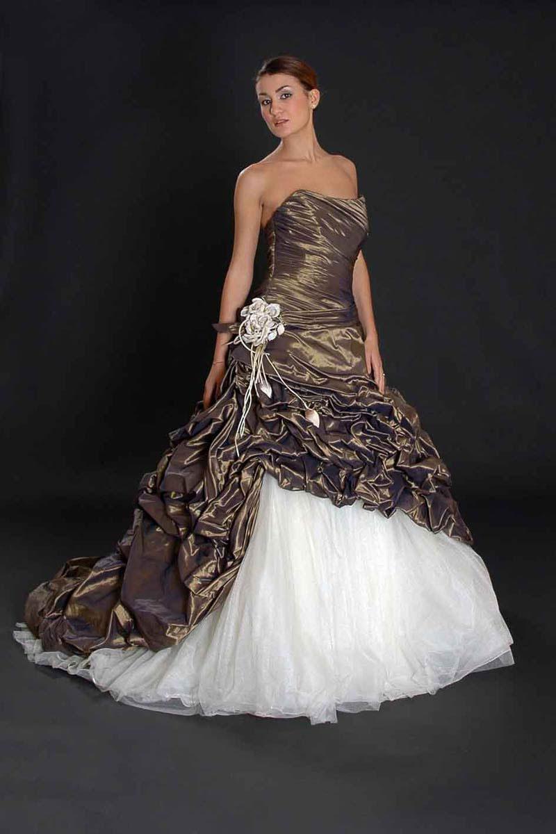Molto formali bellissimi abiti da sposa