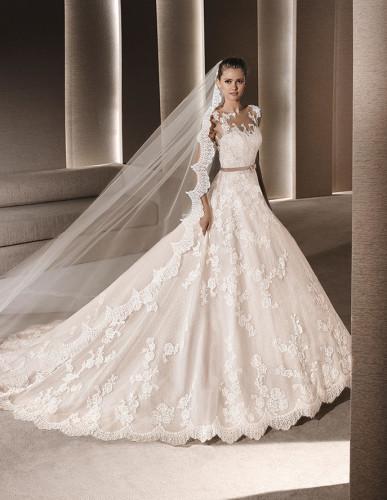 4e55a56ba7 La Sposa e la Splendida Collezione 2016 di Abiti da Sposa